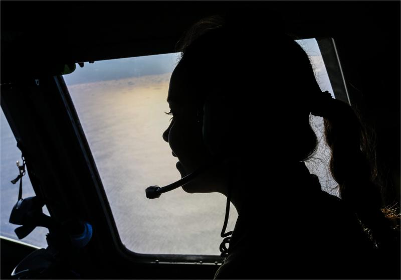 In the cockpit of a No. 36 Squadron C-17A Globemaster, Flight Camp attendee Cheyanne, overlooks Surf